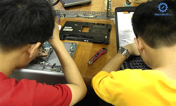 trường dạy nghê sửa chữa máy tính ở hà nội