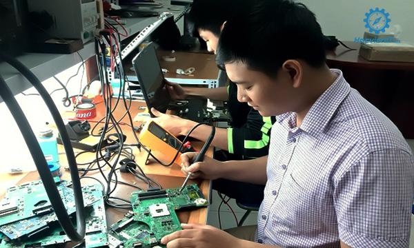 học nghề kỹ thuật sửa chữa lắp ráp máy tính bao nghề