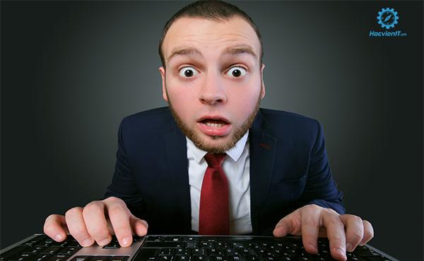 hoc sua laptop mien phí có tốt không