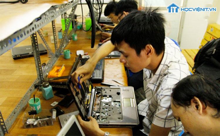 HOCVIENiT.vn là địa chỉ quen thuộc của những người muốn theo nghề sửa chữa Laptop