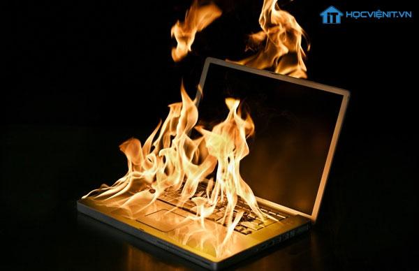 Laptop bị nóng