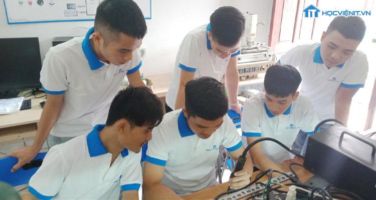 Khai giảng lớp học sửa chữa laptop từ A-Z tháng 5