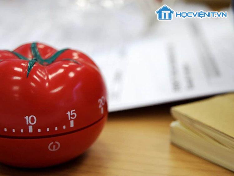 Pomodoro nghĩa là quả cà chua trong tiếng Ý