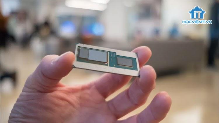 Intel năm 2021 cần giành lại vị thế tại thị trường chip di động, máy tính xách tay
