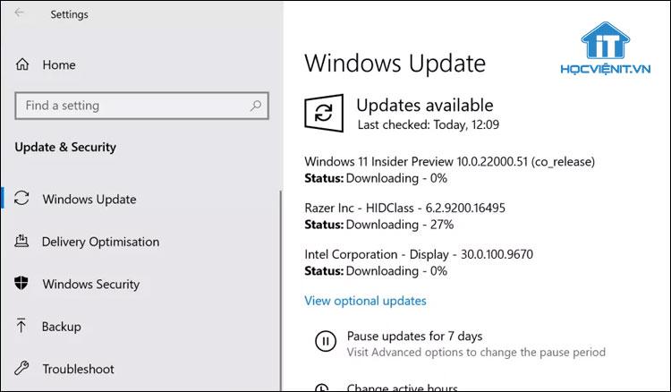 Hệ thống sự tự động tìm kiếm và tải về bản cập nhật mới nhất của Windows 11