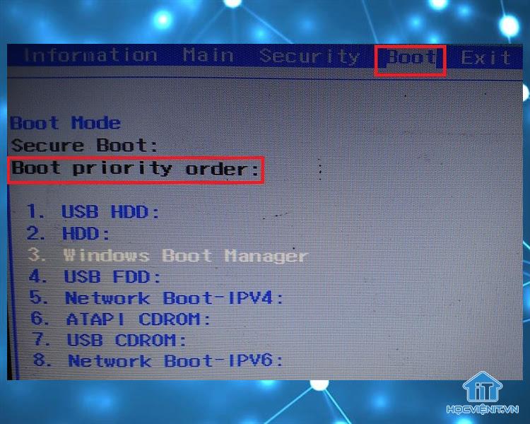 Sử dụng các phím mũi tên để di chuyển mục Windows Boot Manager lên trên cùng